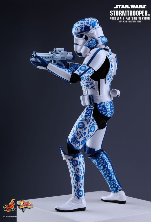 porcelain_pattern_stormtrooper_sixth_scale_action_figure_star_wars_hot_toys_4