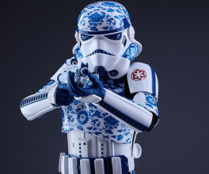 Hot Toys Porcelain Pattern Stormtrooper 1/6 Scale Action Figure