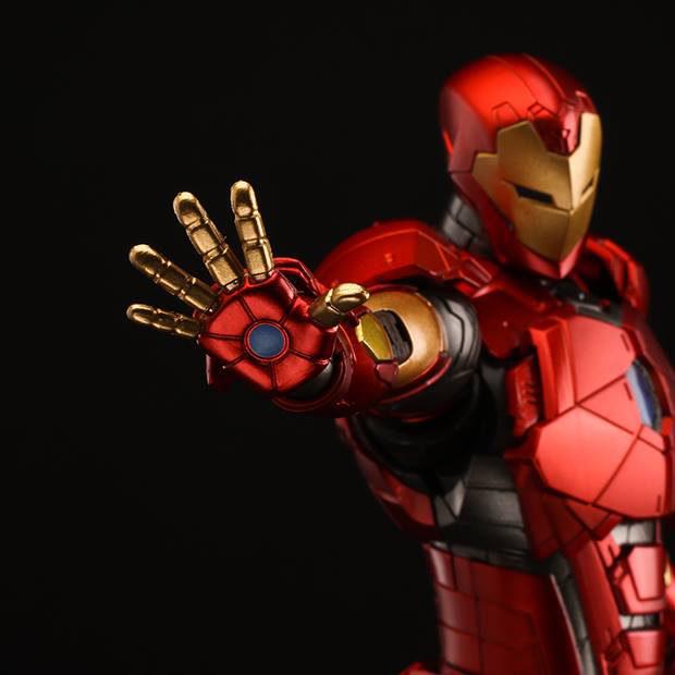 re_edit_iron_man_8_shape_changing_armor_sentinel_13