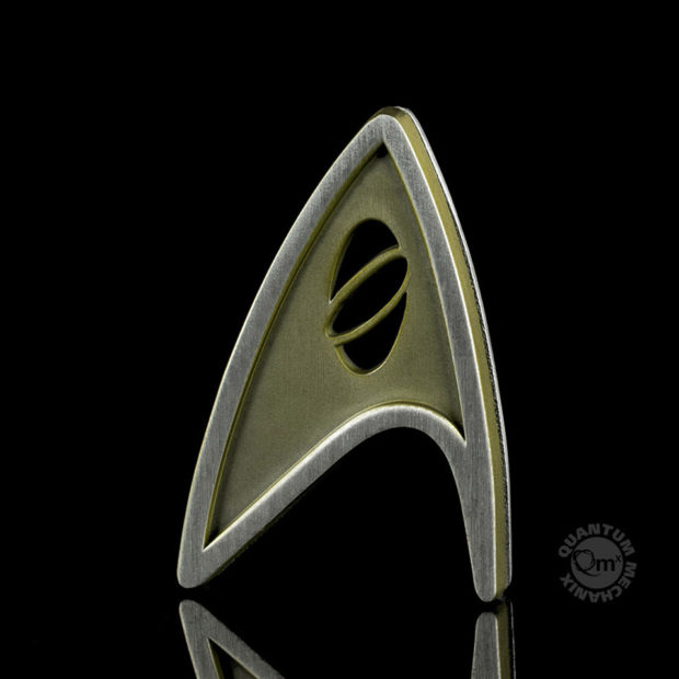 star_trek_beyond_replica_badge_quantum_mechanix_4