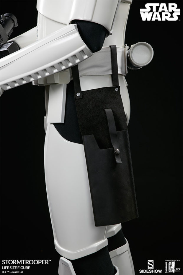 star_wars_stormtrooper_life_size_statue_sideshow_collectibles_12