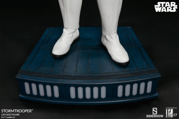 star_wars_stormtrooper_life_size_statue_sideshow_collectibles_14