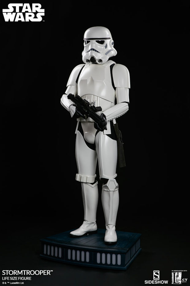 star_wars_stormtrooper_life_size_statue_sideshow_collectibles_2
