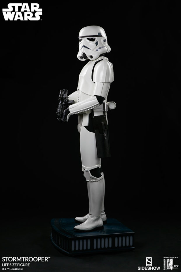 star_wars_stormtrooper_life_size_statue_sideshow_collectibles_3