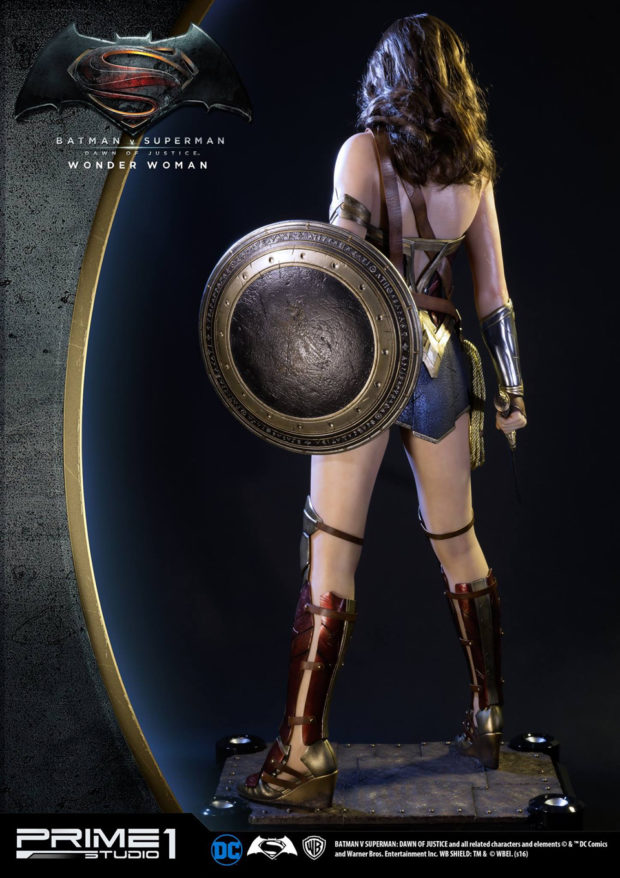 wonder_woman_batman_v_superman_dawn_of_justice_half_scale_statue_prime_1_studio_3