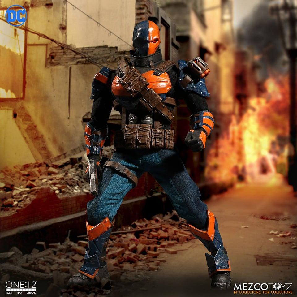 Mezco One:12 Collective Deathstroke Action Figure