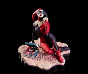 Mondo Waiting for My J Man Harley Quinn Statue