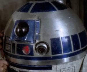 R2-D2 Speaks English