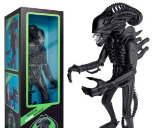 Super 7 Aliens Xenomorph Warrior 18″ Action Figure