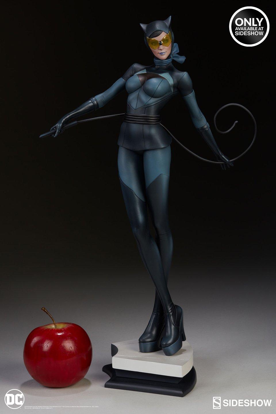 "Sideshow Catwoman Stanley ""Artgerm"" Lau Series Statue"