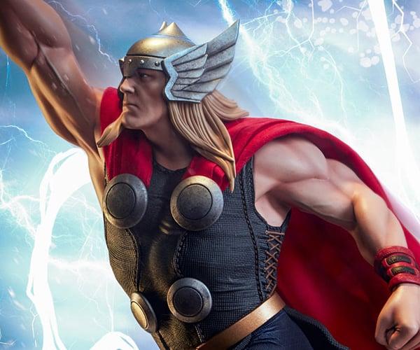 Sideshow Thor Avengers Assemble Statue