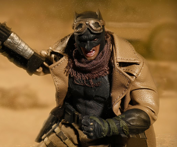 Mezco Toyz One:12 Collective Knightmare Batman Action Figure
