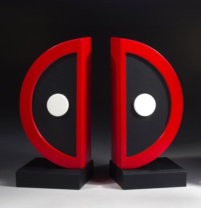 Gentle Giant Deadpool Logo Bookends