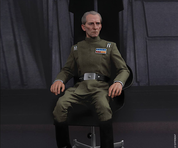 Hot Toys Star Wars Grand Moff Tarkin 1/6 Scale Action Figure