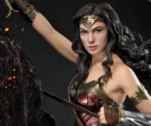 Prime 1 Wonder Woman Horseback Statue